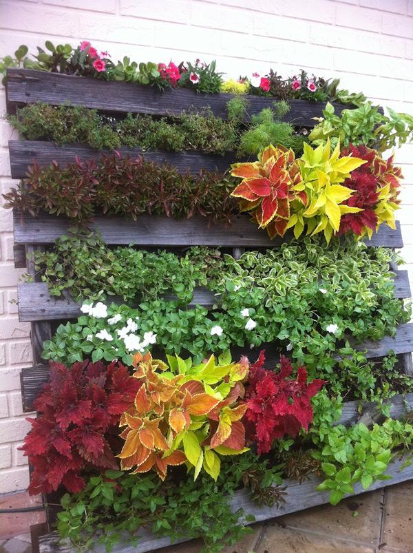 Jardim vertical com folhagens - Vintages Heet