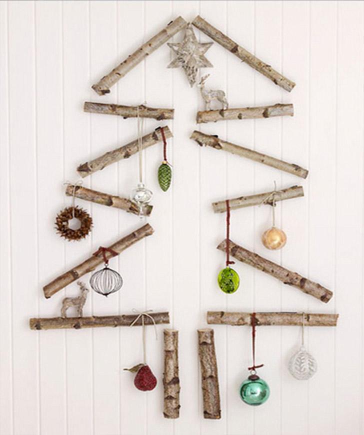 arvore-natal-parede-troncos-objetos