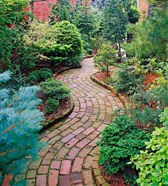 ideias caminhos jardim:caminho_jardim_tijolos_barro