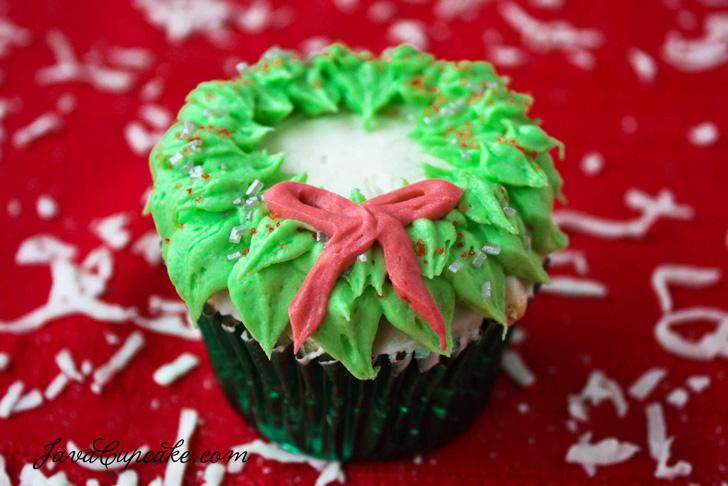 cupcake_natal_guirlanda_laco_verde