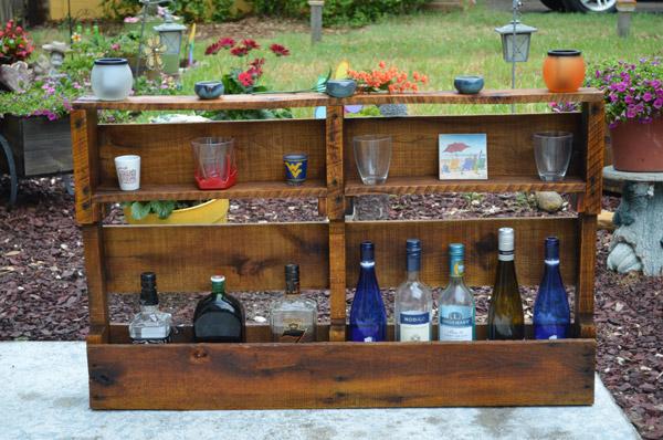 Minibar madeira escurecida - foto: Etsy