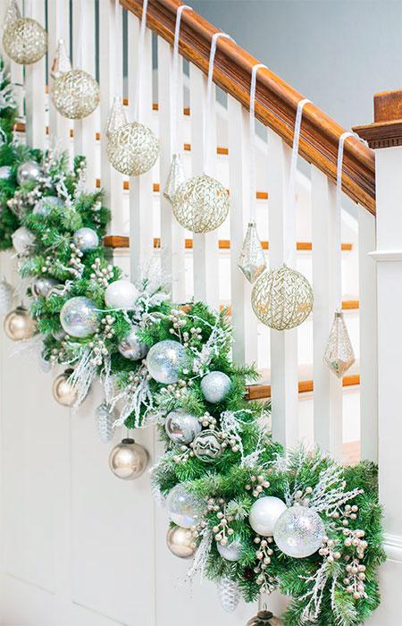 decoracao natal escadas verde prata